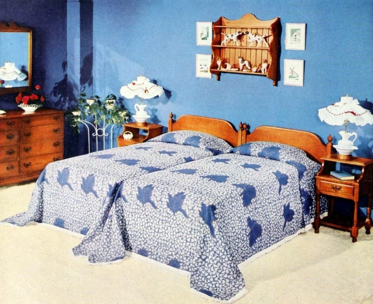 Two single beds for married couples from the 1950s (8)