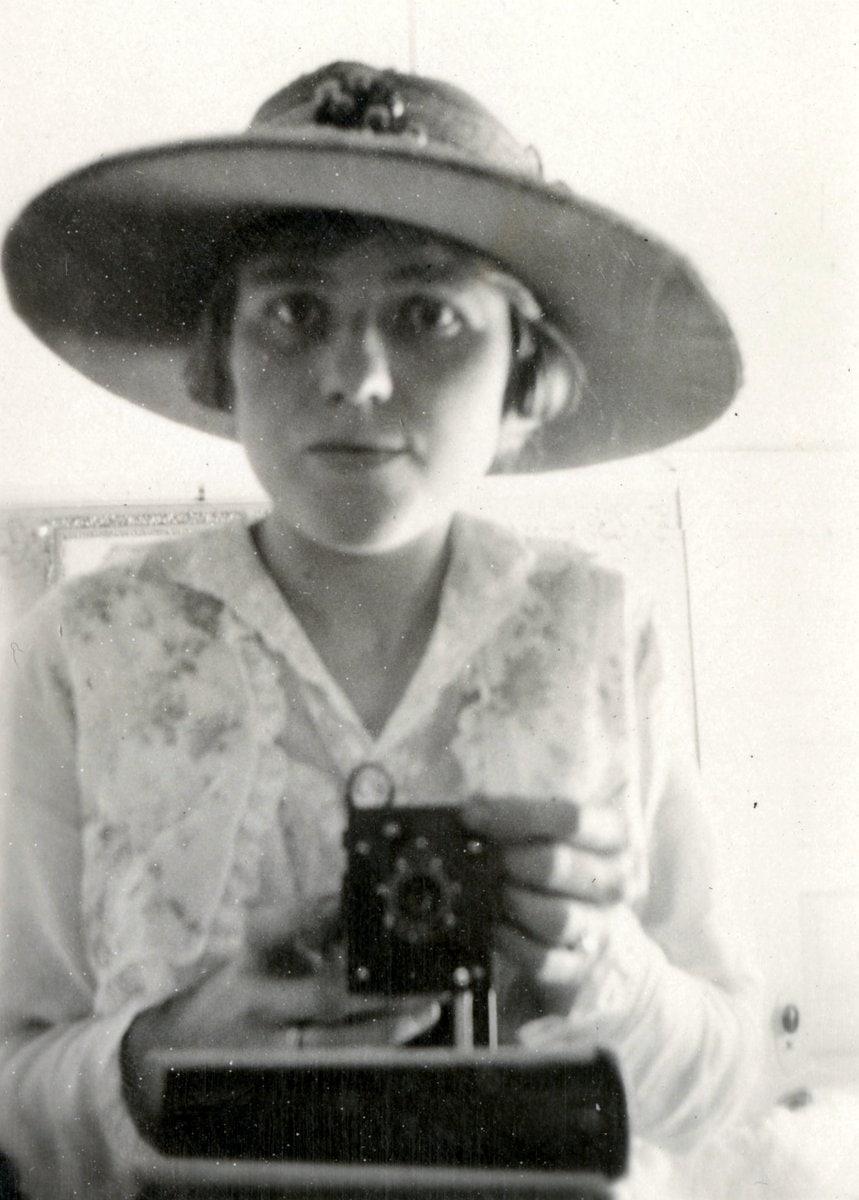 Unknown woman mirror selfie photo c1920s