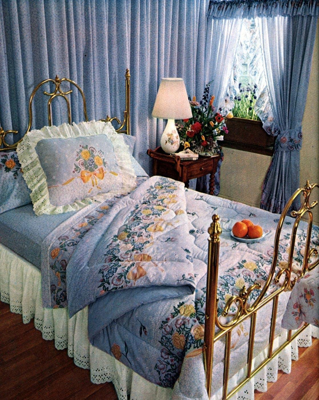VIntage floral bedding set from 1979
