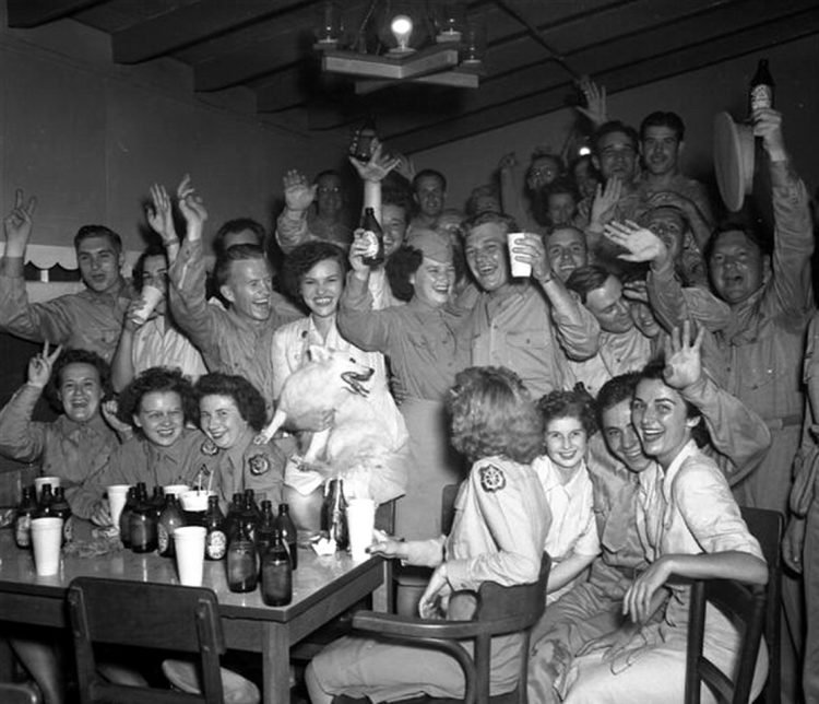 VJ Day - Victory in Japan - WWII at Click Americana (1)