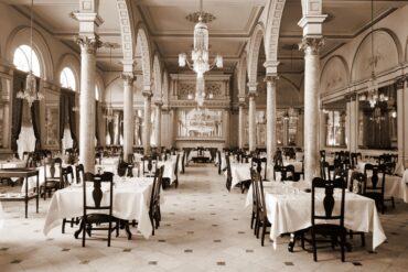 Hotel Cadillac, dining room, Detroit