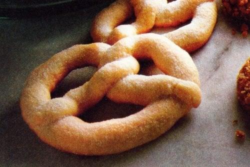 Viennese sugar twists Pretzel-shaped cookie recipe (1981)