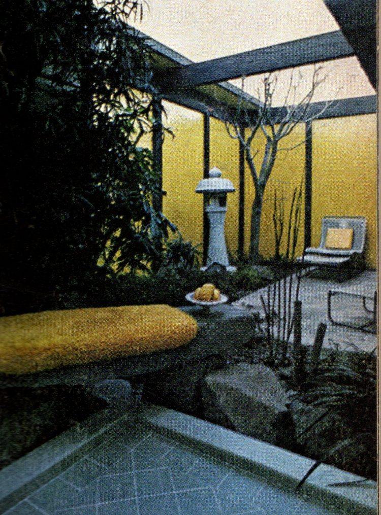 Vinatge 1960s bathroom interior decor (2)