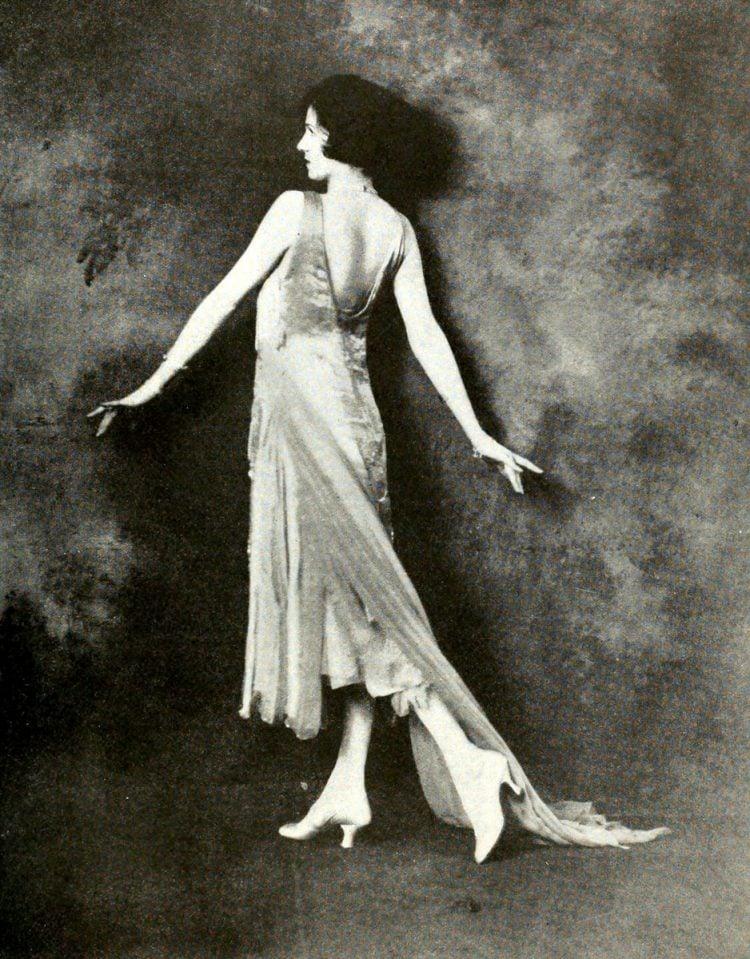 Vintage 1920s flapper fashions (6)