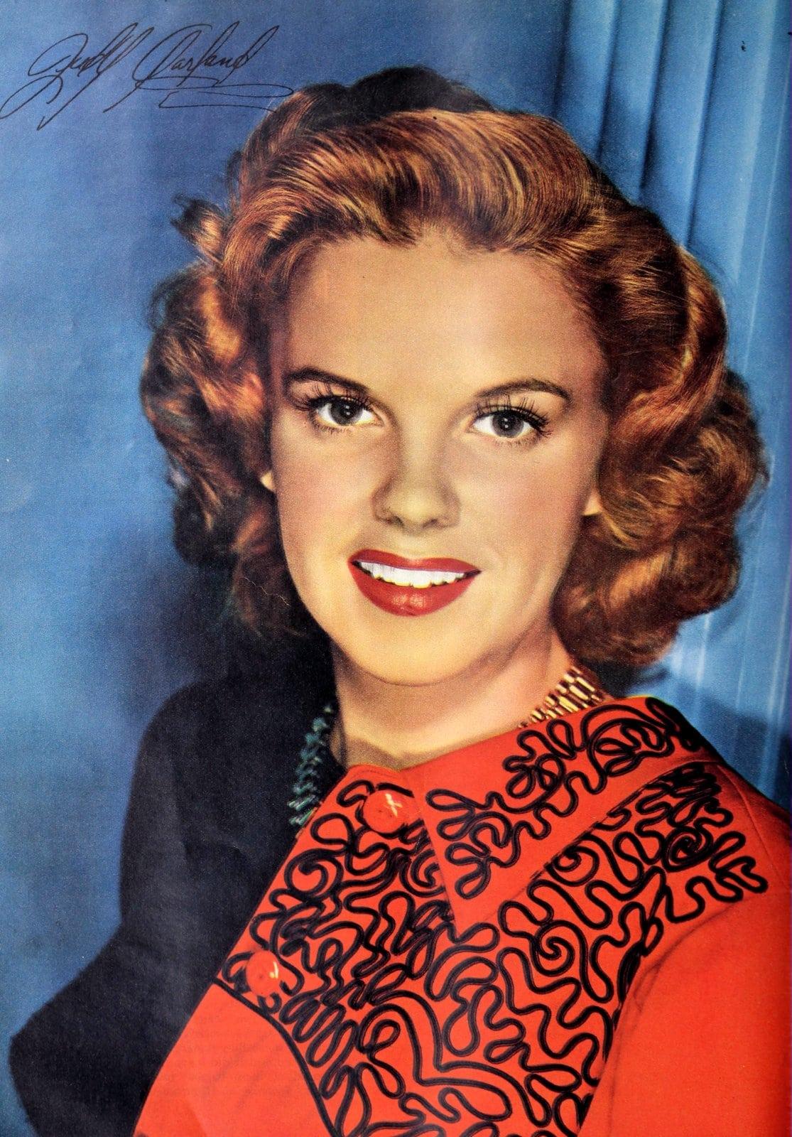 Vintage 1940s actress Judy Garland wearing red lipstick