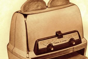Vintage 1950s General Electric Toast-R-Oven