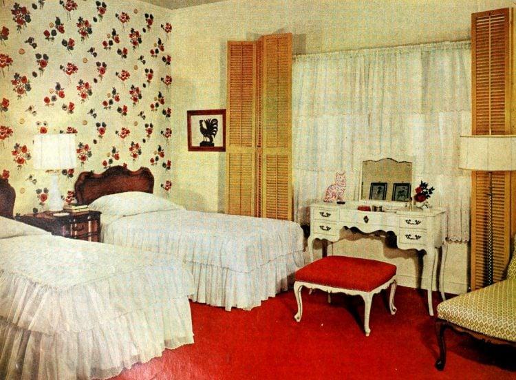Vintage 1950s master bedroom decor - Red carpet
