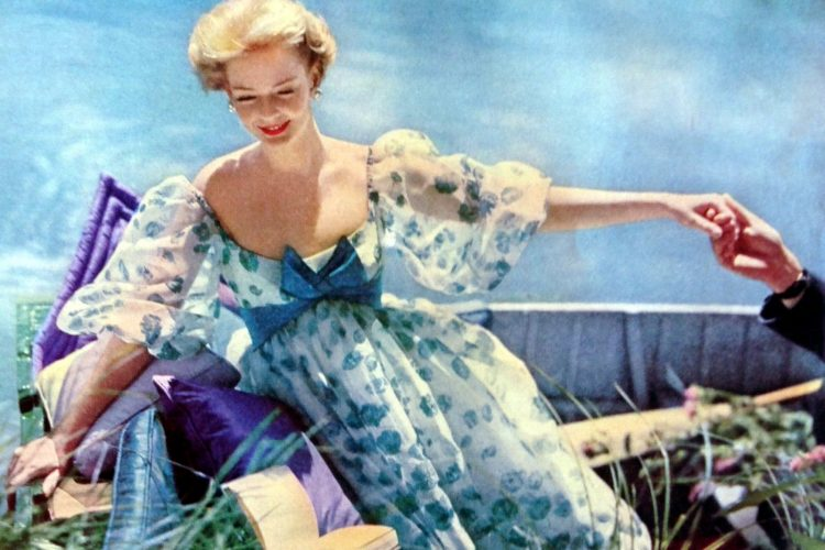 Vintage 1950s maternity fashion