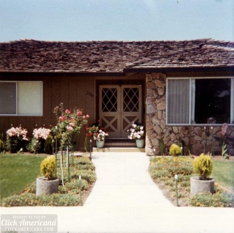 Vintage 1970s house in Santa Rosa California - Exterior - front door