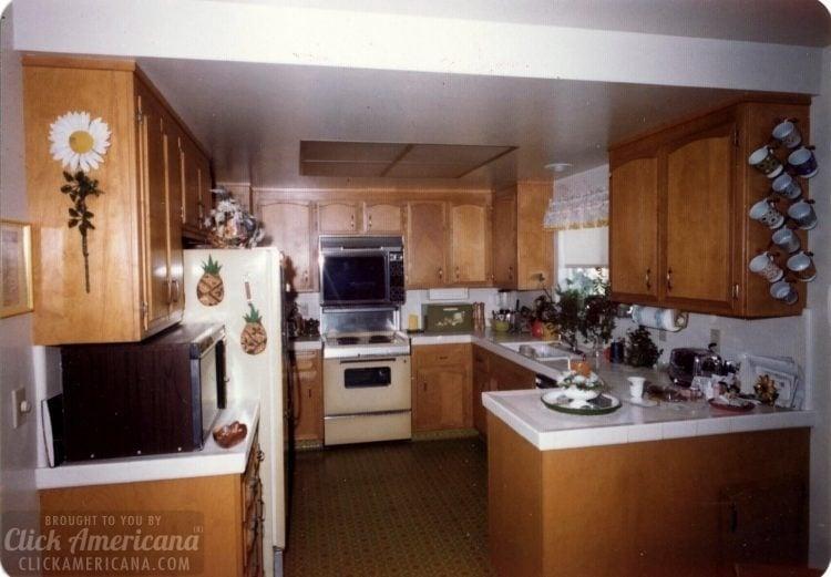 Vintage 1970s house in Santa Rosa California - Kitchen (3)