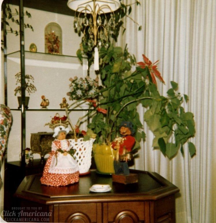 Vintage 1970s house in Santa Rosa California - Living room (2)