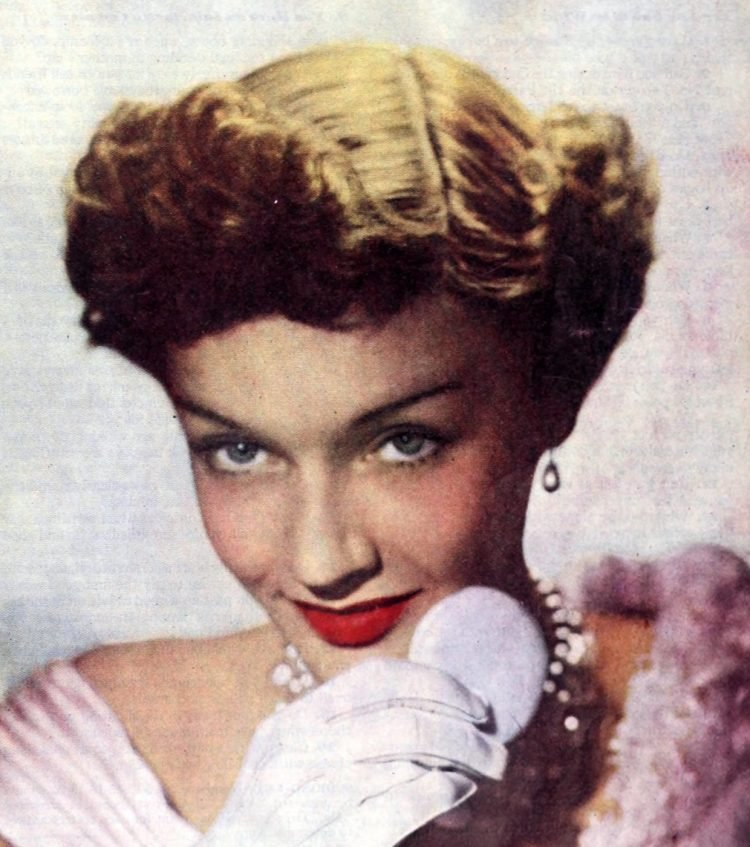 Vintage '40s hairstyles for women from 1949 (6)