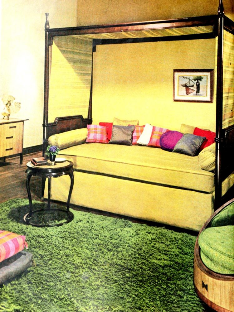 Vintage 50s bedroom day bed sofa