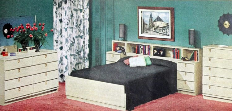 Vintage 50s master bedroom decor from 1954 (2)