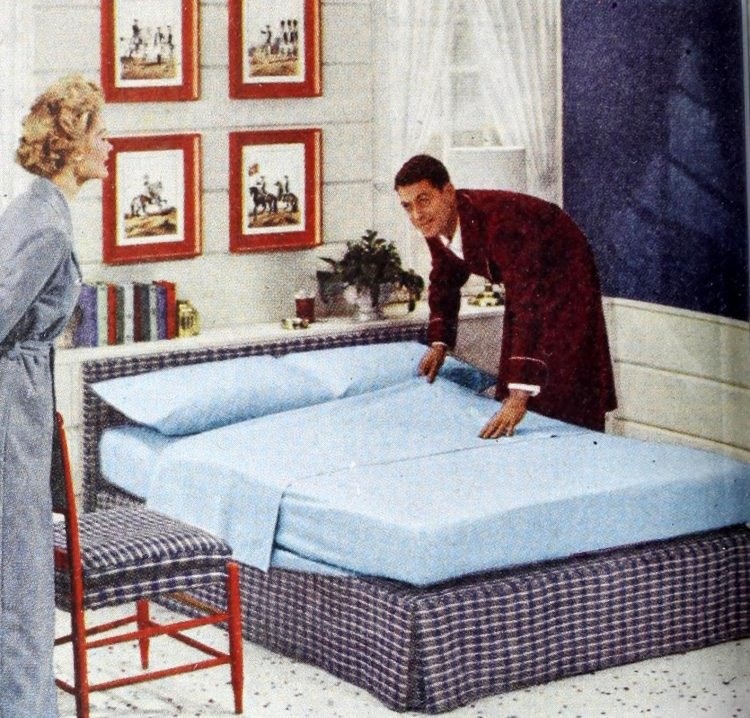 Vintage 50s master bedroom decor from 1954 (4)