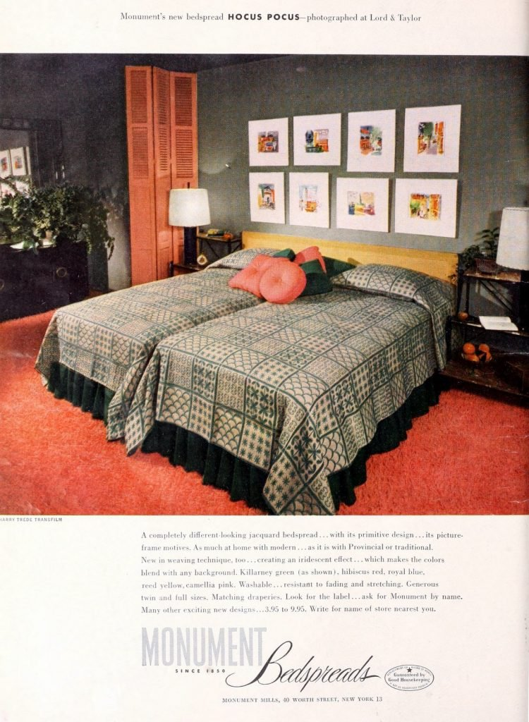 Vintage 50s master bedroom side-by-side twin beds (3)