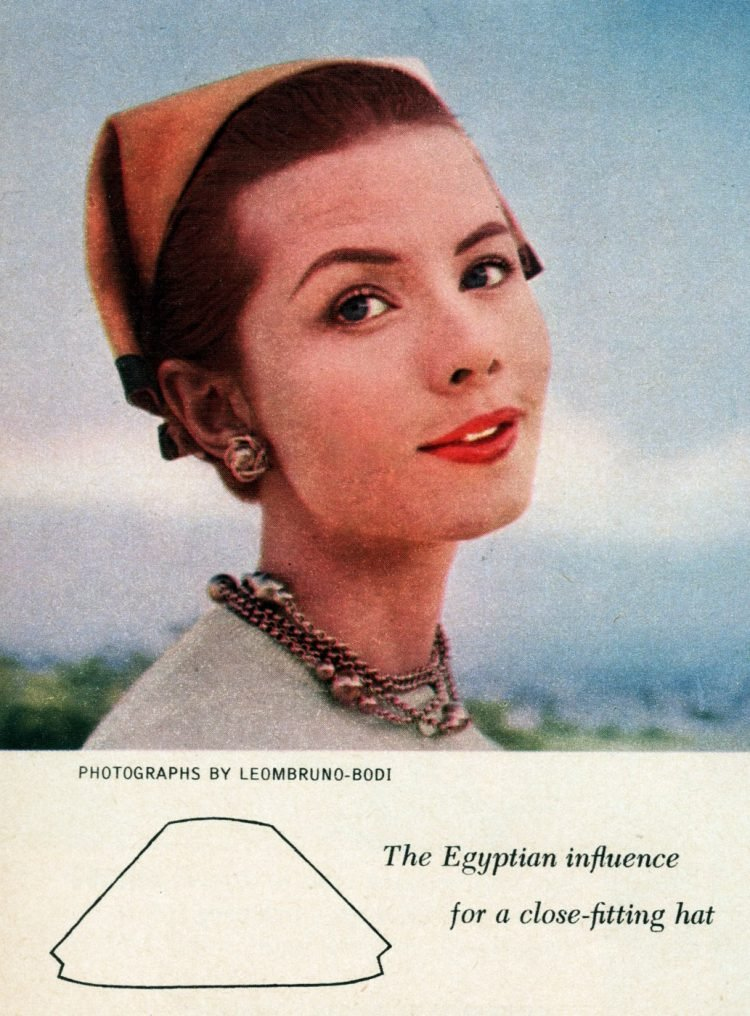 Vintage 50s-style hats The Egyptian influence for a close-fitting hat