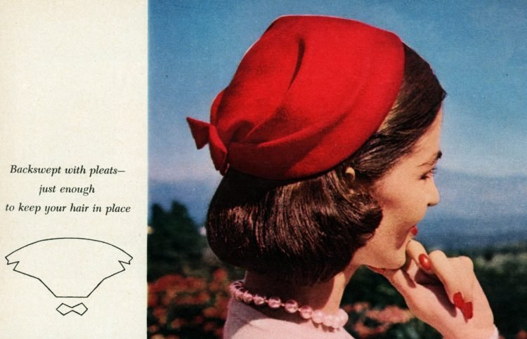 Vintage 50s-style hats to sew - Backswept with pleats