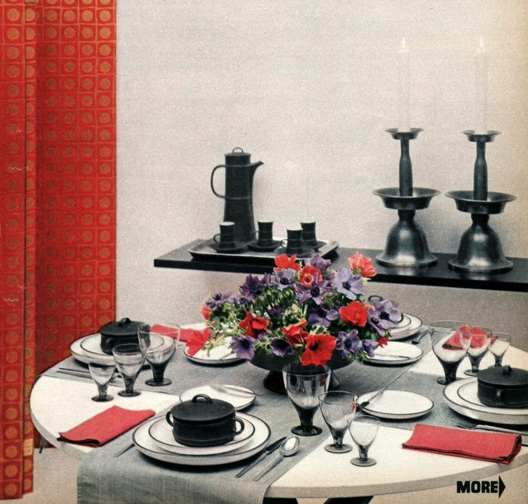 Vintage 50s table decor in grey black white and red