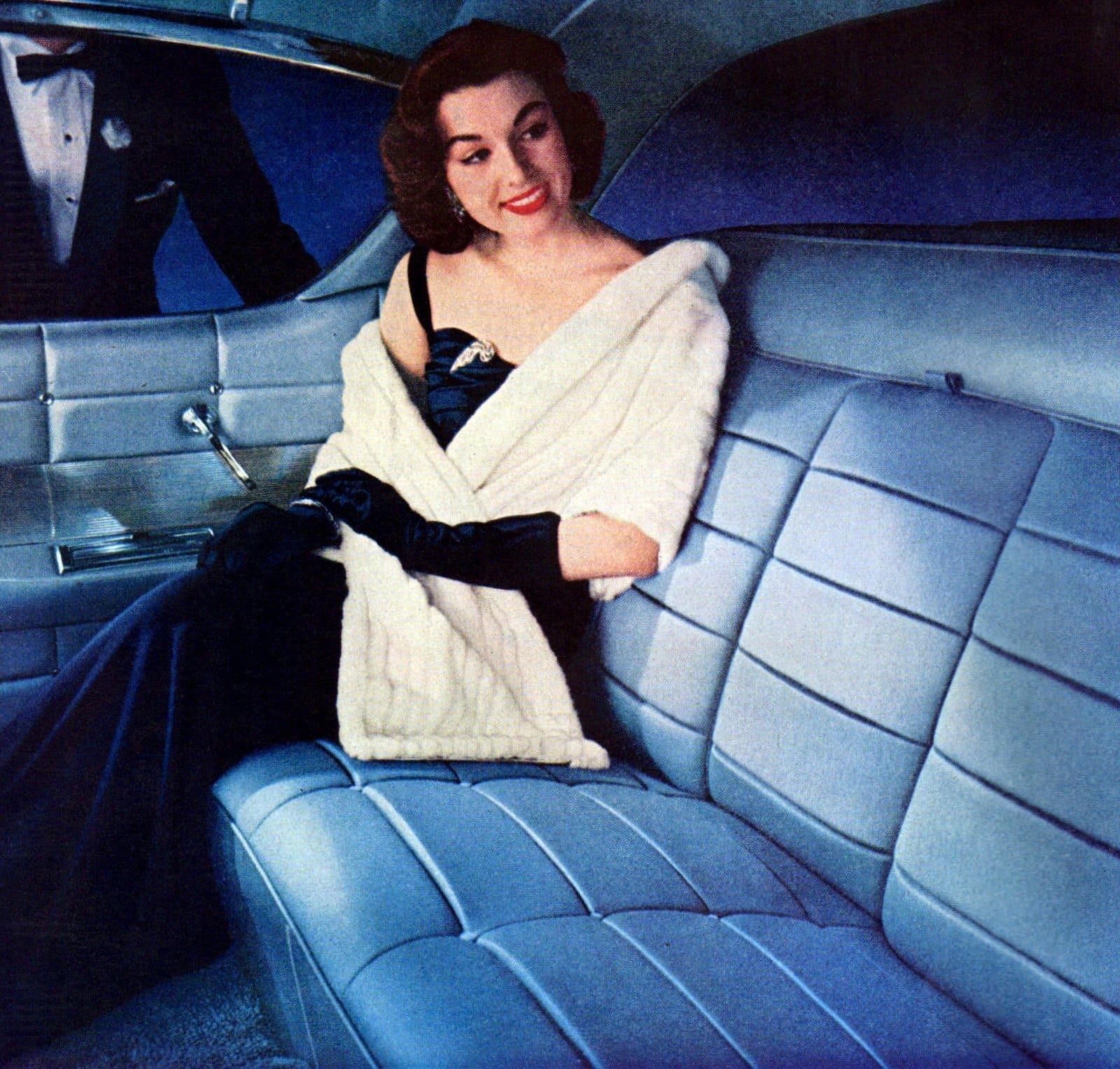 Vintage 50s women wearing gloves (5)