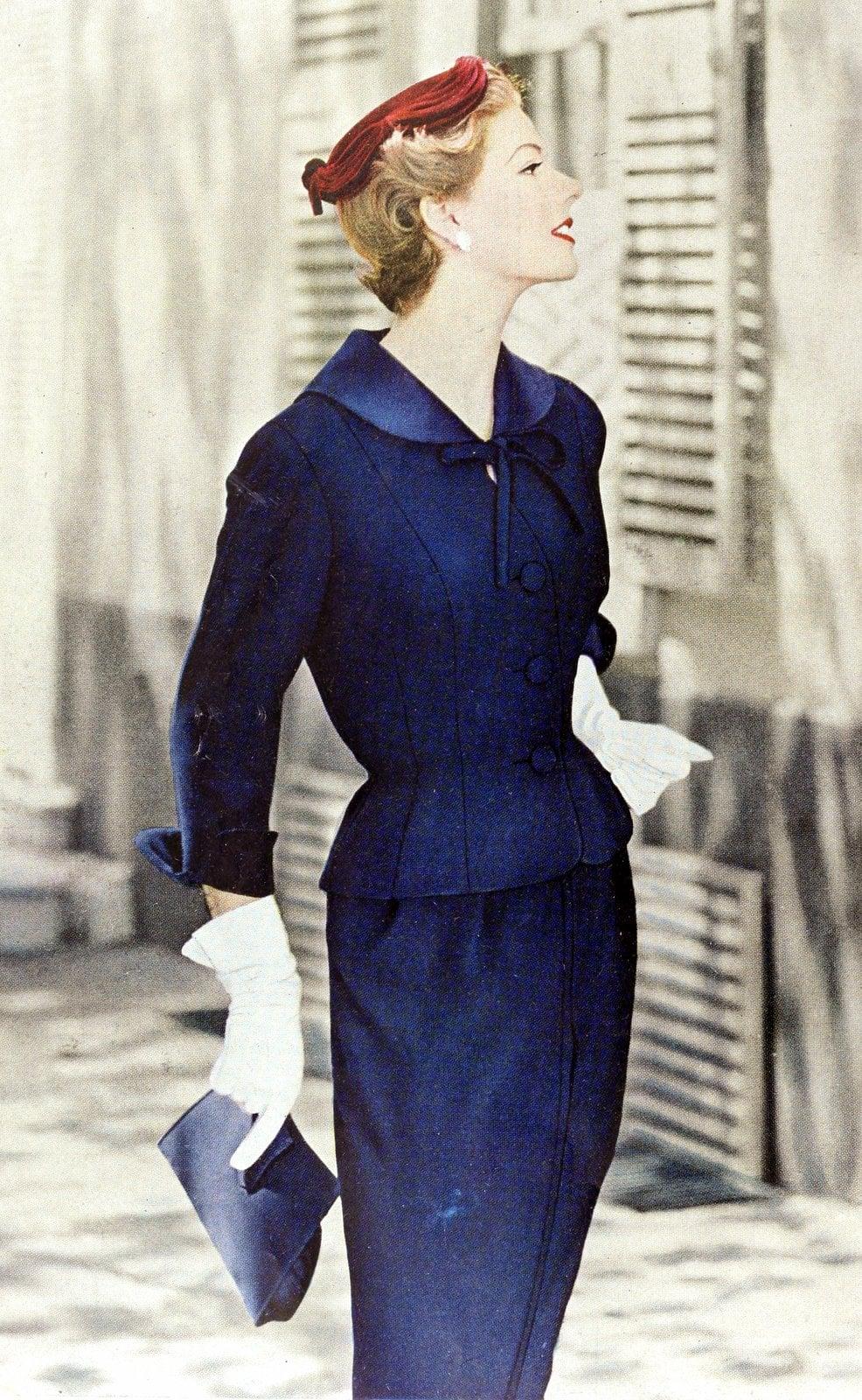 Vintage 50s women wearing gloves (7)