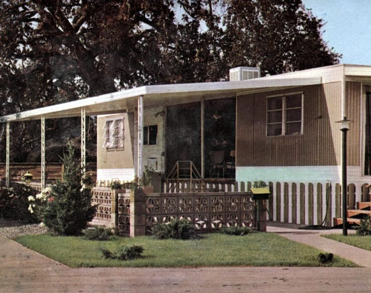Vintage 60s mobile homes with patio covers (1)