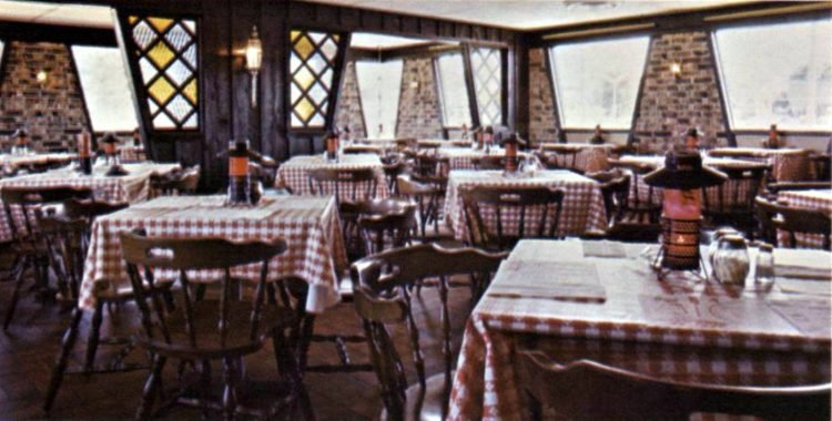 Vintage 70s Pizza Hut restaurants - 1970 (5)