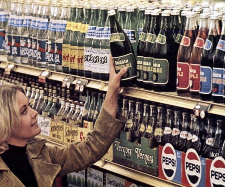 Vintage 70s supermarket scenes - 1970 - 27