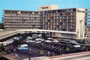 Vintage Beverly Hilton Hotel - California in the 1950s