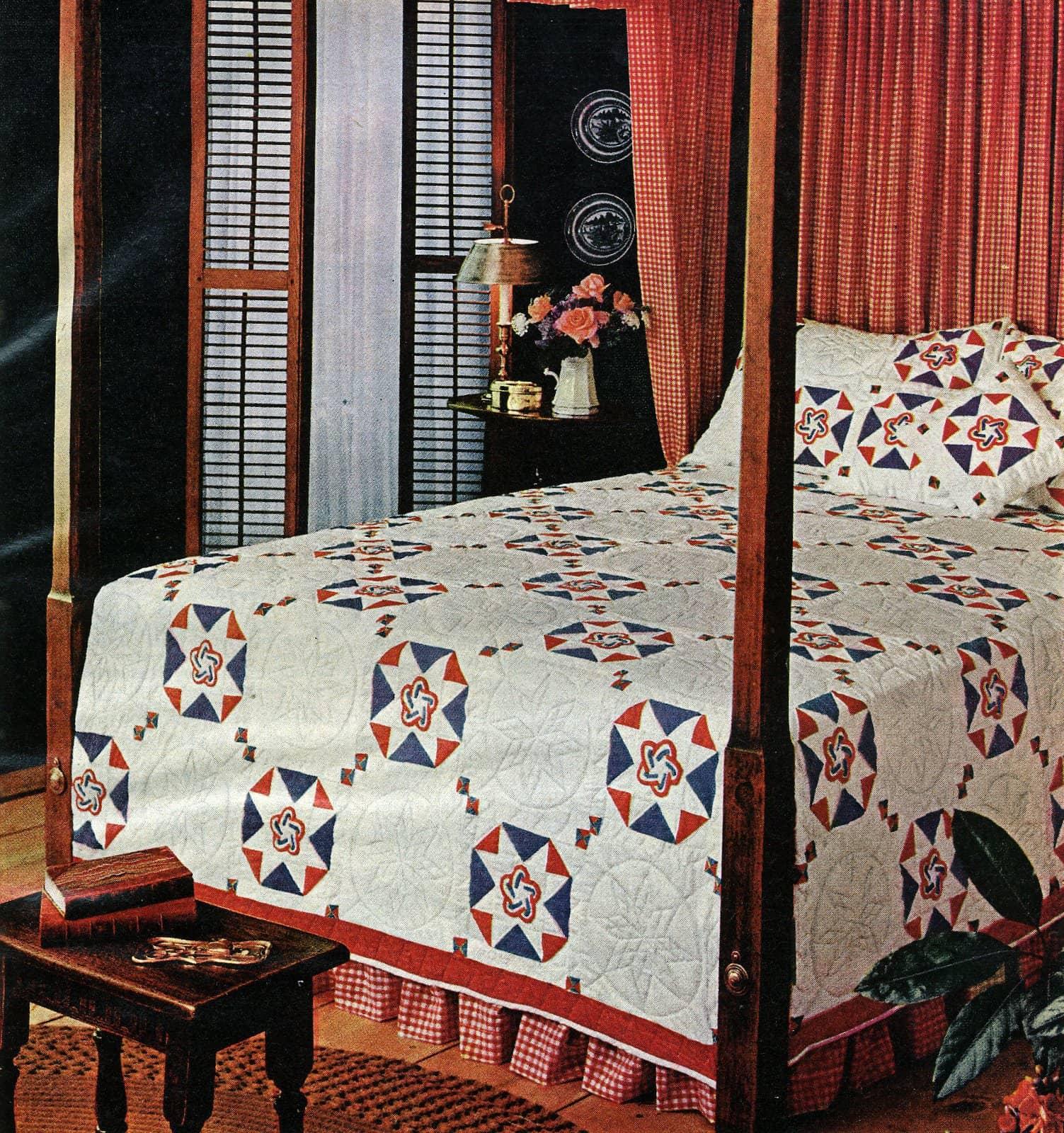 Vintage Bicentennial design quilted bedspread (1976)