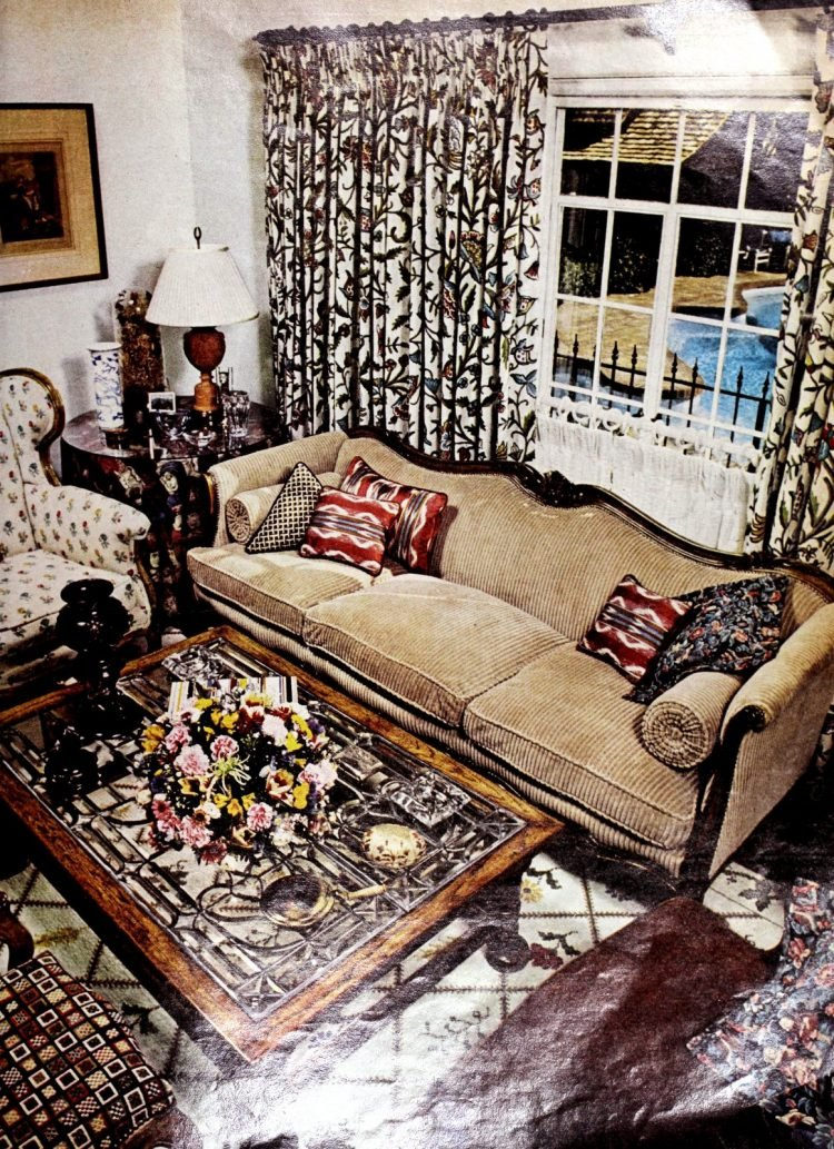Vintage California sitting room decor - 1975 Helen Reddy house