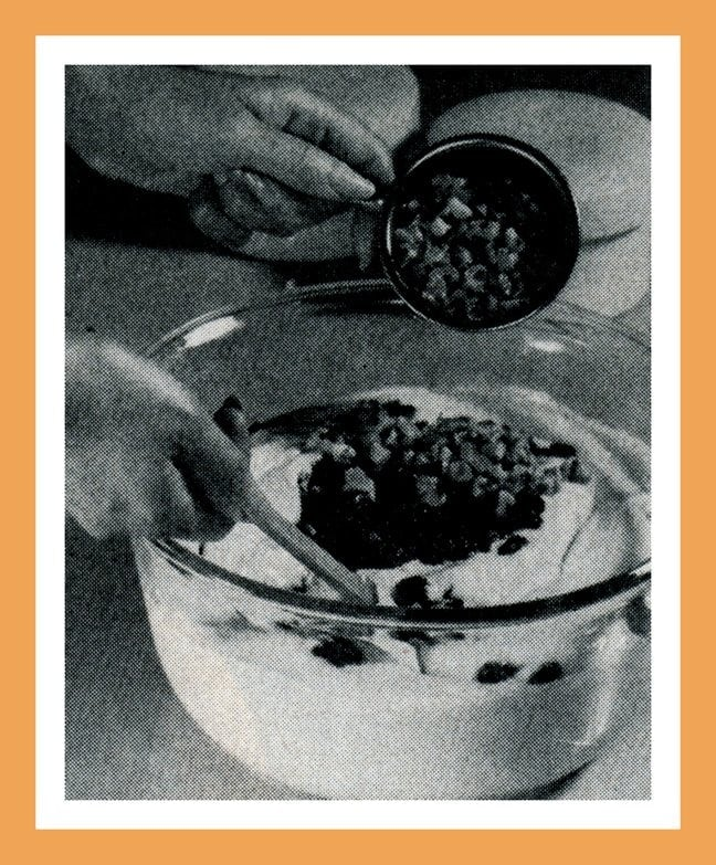 Vintage Christmas recipes and food gifts from 1969 - Lemon European cake