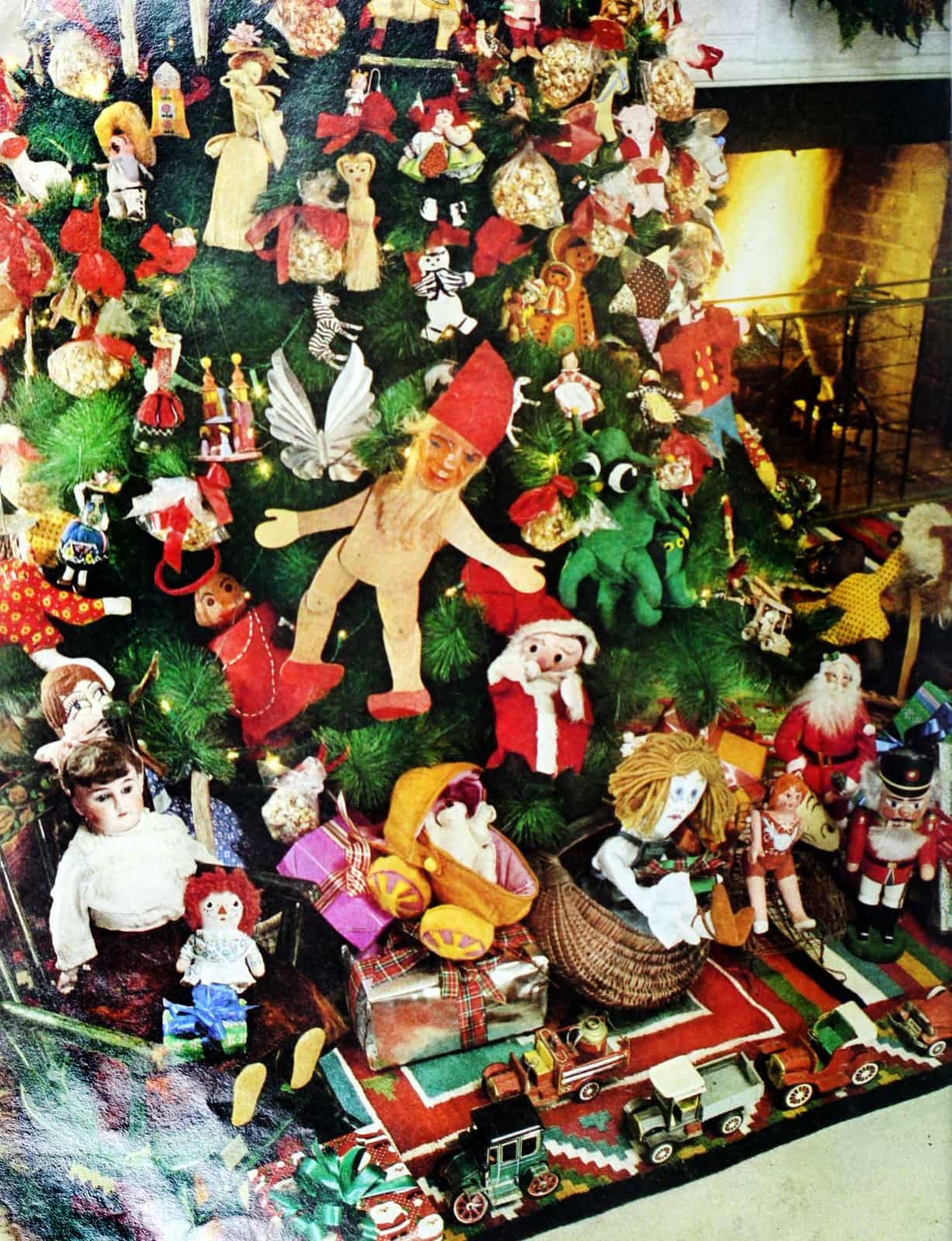 Vintage Christmas tree decorations from 1977 (3)