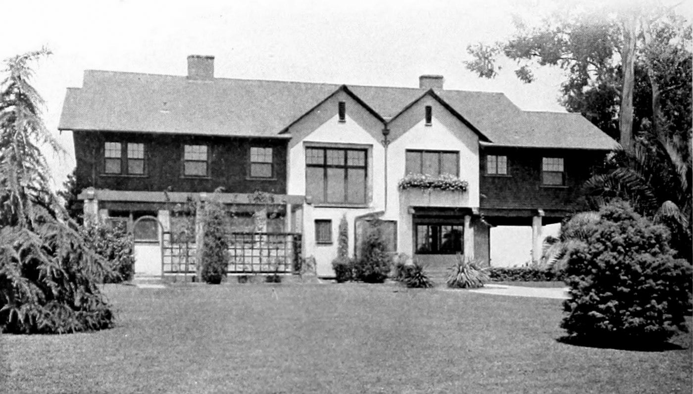 Vintage Craftsman home (18)