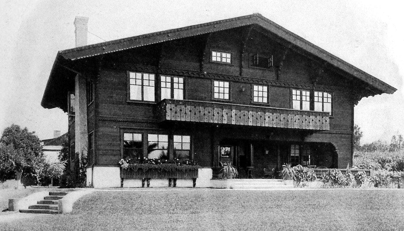 Vintage Craftsman home (19)
