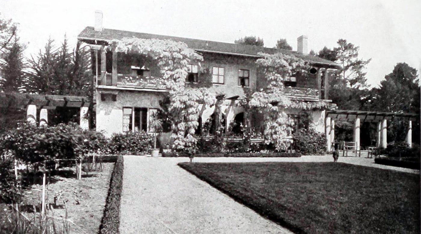 Vintage Craftsman home (20)