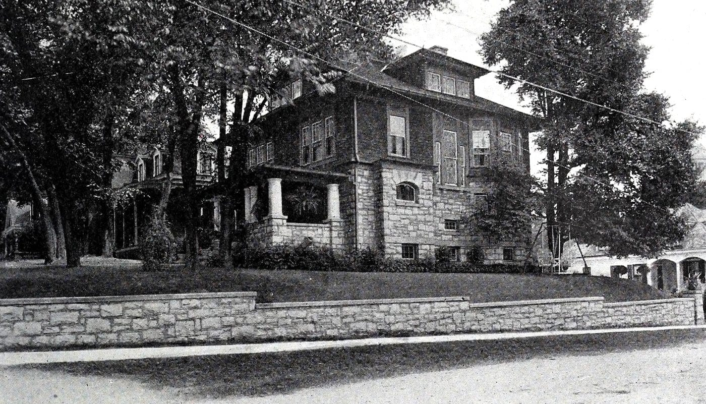 Vintage Craftsman home (33)
