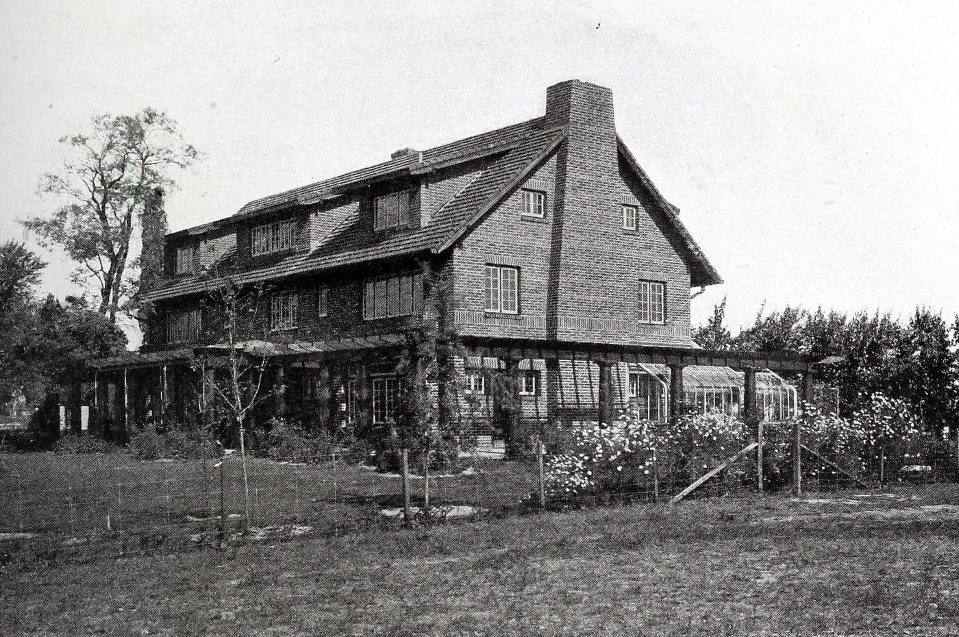 Vintage Craftsman home (36)