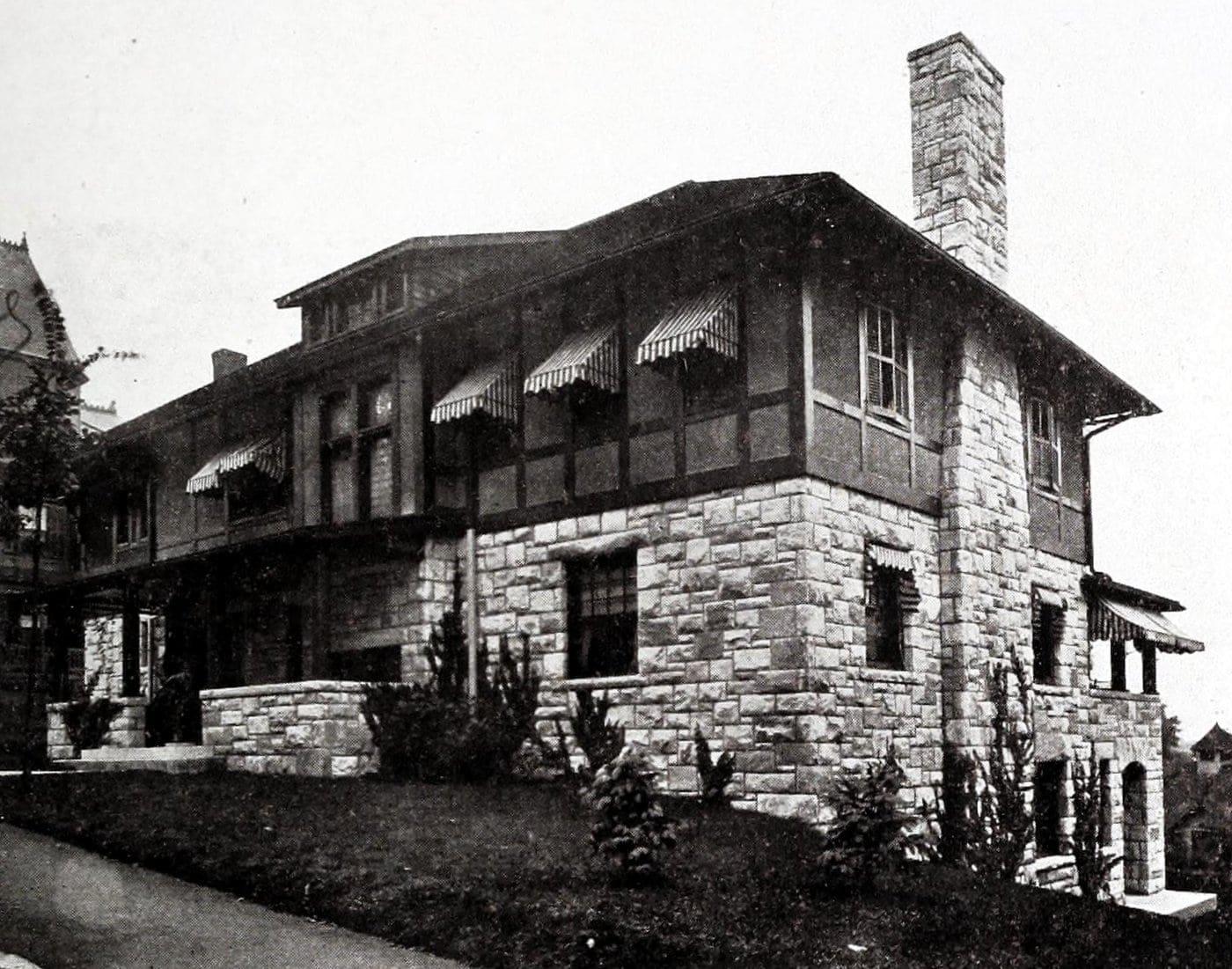 Vintage Craftsman home (5)