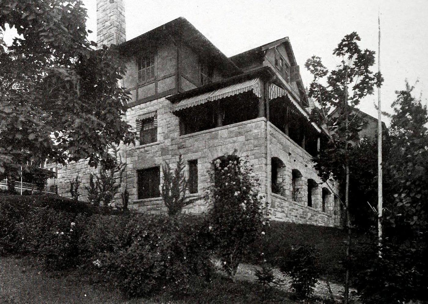 Vintage Craftsman home (6)