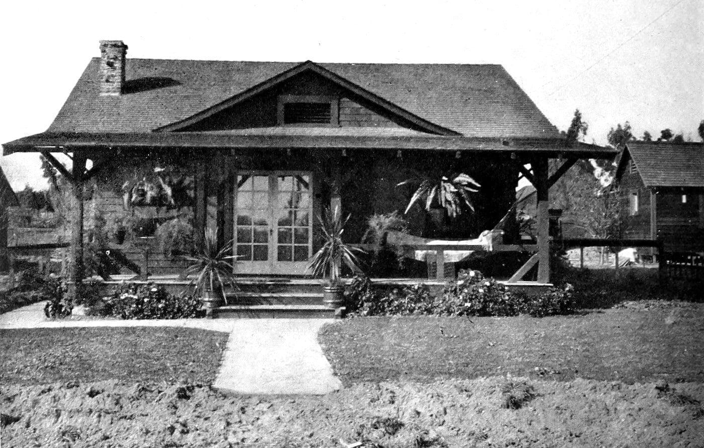 Vintage Craftsman home (8)