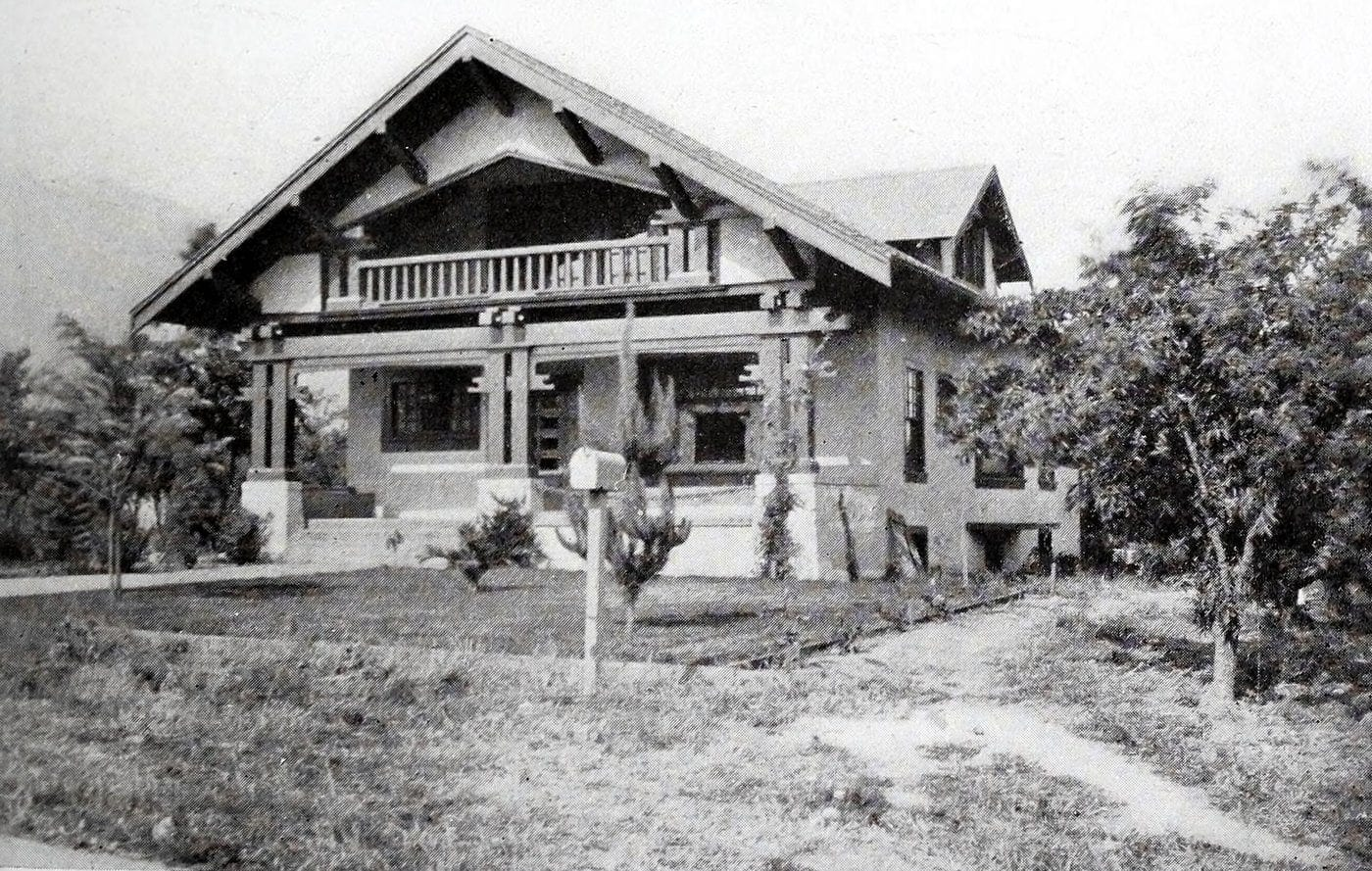 Vintage Craftsman home (9)