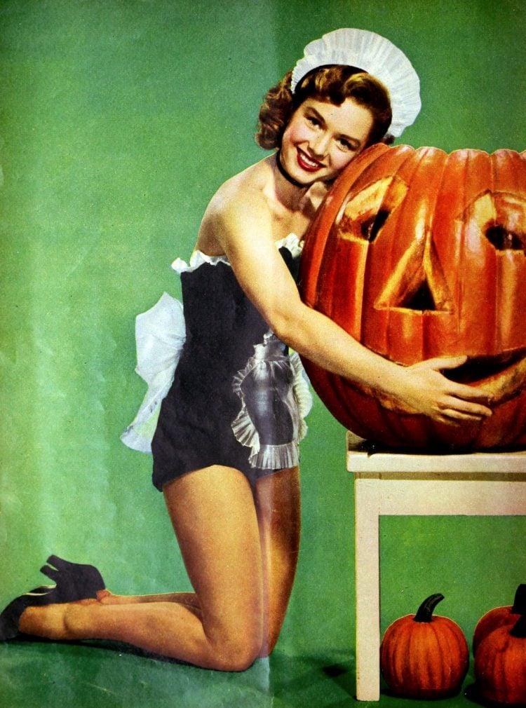 Vintage Halloween Debbie Reynolds pinup with a pumpkin (1953)