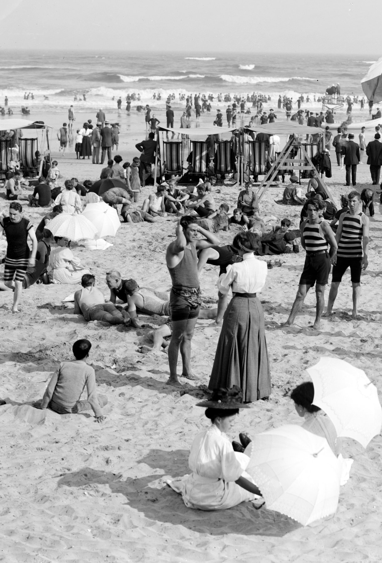 Vintage Jersey Shore beach scenes from the early 1900s (1)