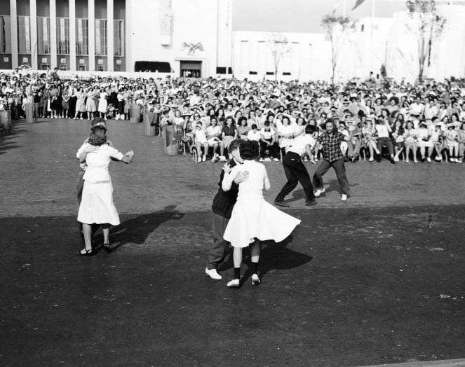 Vintage Jitterbug dancing from around 1939 - Via NYPL (2)