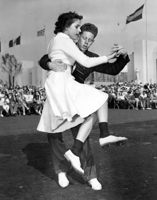 Vintage Jitterbug dancing from around 1939 - Via NYPL (6)