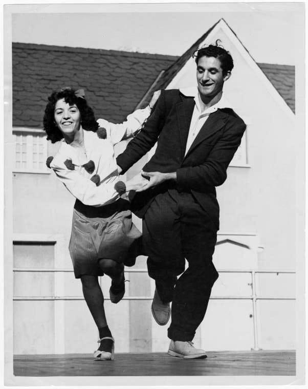 Vintage Jitterbug dancing from around 1939 - Via NYPL (7)