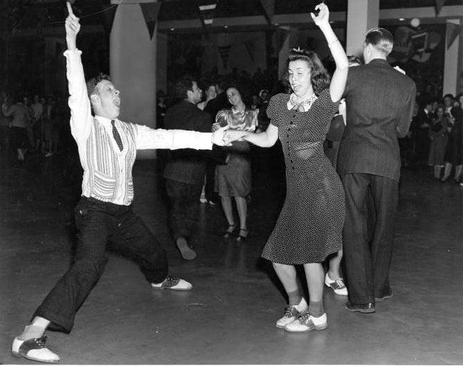 Vintage Jitterbug dancing from around 1939 - Via NYPL (9)