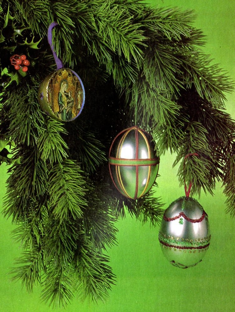 Vintage L'Eggs Christmas ornament how-to