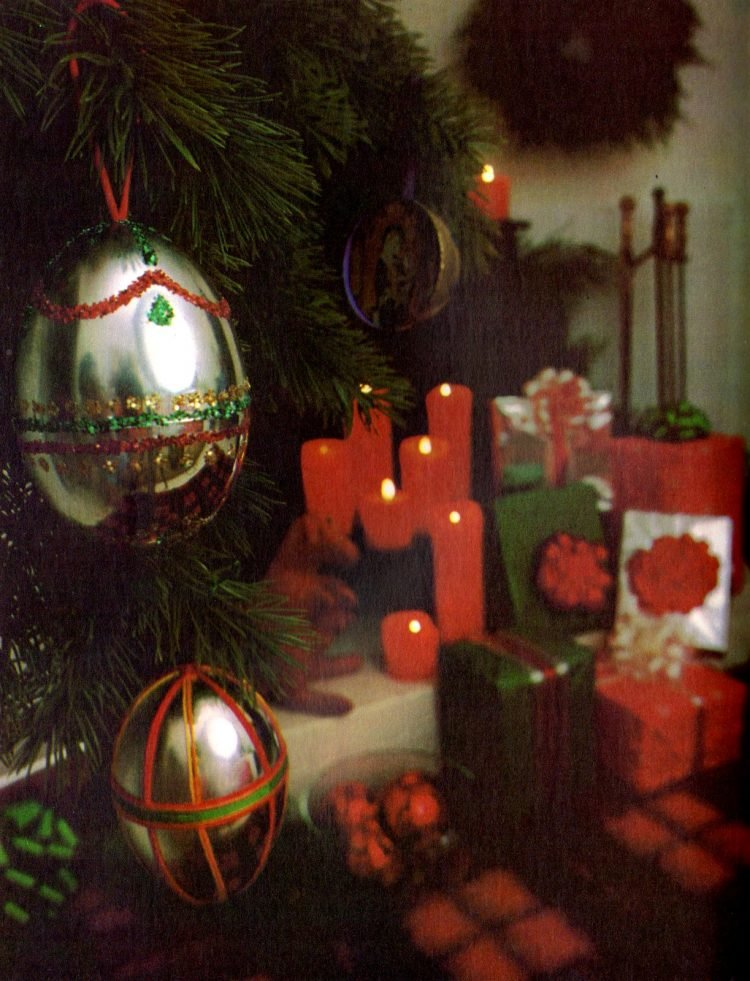 Vintage L'Eggs Christmas ornament how-to craft from 1976